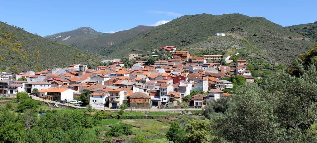 Valero el pueblo sepultado entre monta as viaje con pablo - Valero salamanca ...