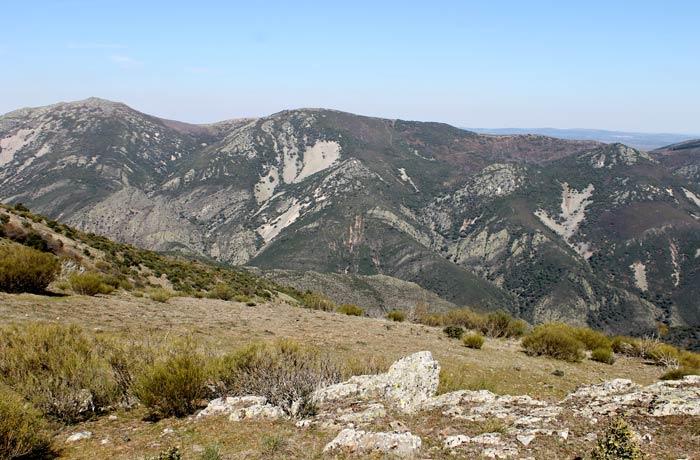 Cumbres de la sierra de las Quilamas Castillo Viejo de Valero