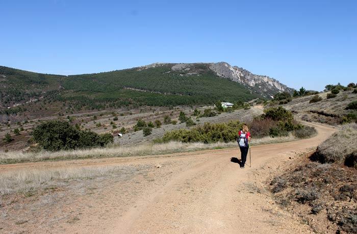 Desvío a la derecha en el camino de regreso para convertir la ruta en semicircular Castillo Viejo de Valero