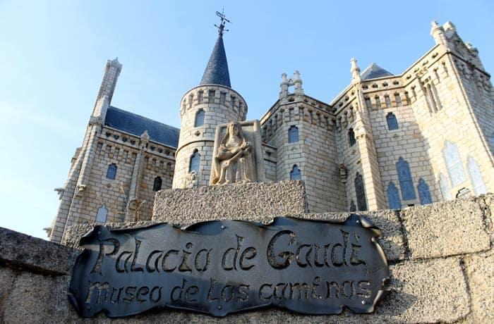 Otra vista del Palacio de Gaudí, hoy Museo de los Caminos qué ver en Astorga