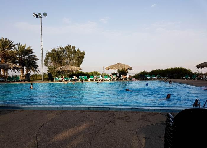 Piscina del Ein Gedi Hotel Israel por libre