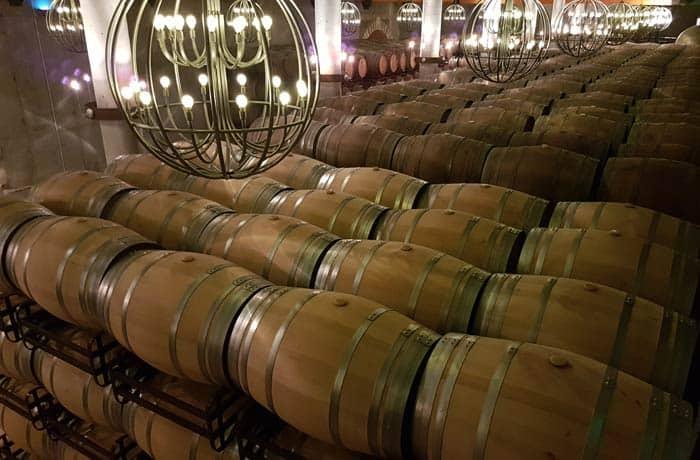 Barricas en el Museo del Vino de Pagos del Rey qué ver en Toro