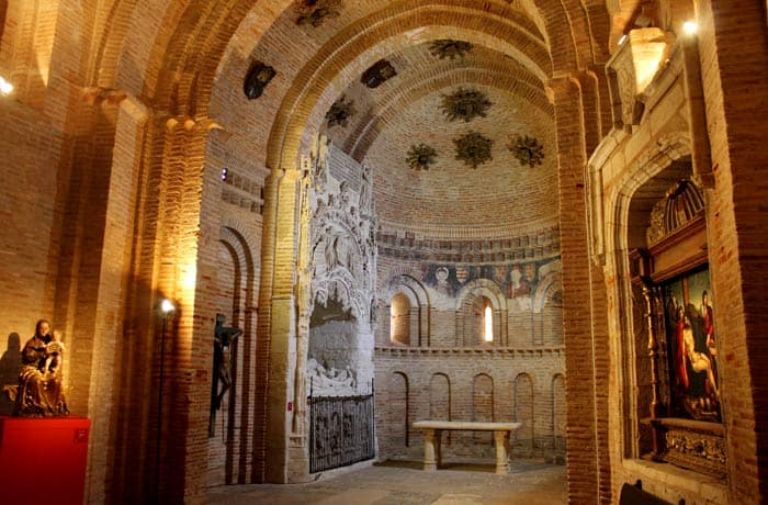 Sepulcro gótico de Pedro de Castilla y Salazar y su esposa Beatriz de Fonseca en la iglesia de San Lorenzo el Real qué ver en Toro