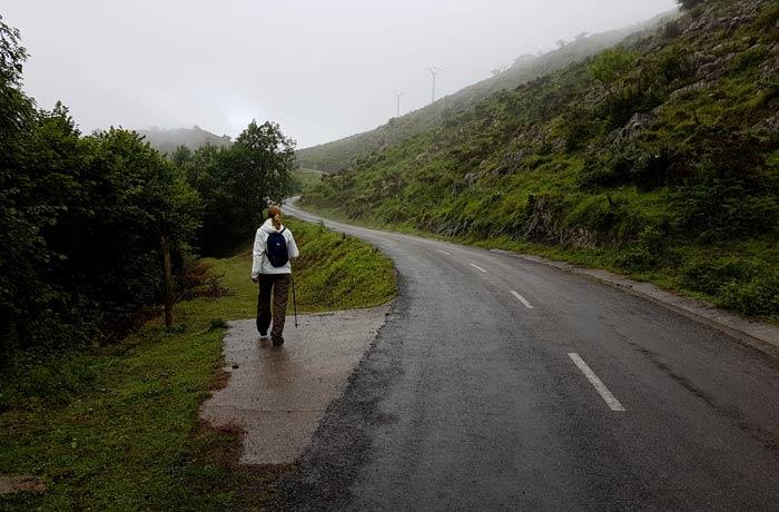 Desvío a la izquierda después de Dosango ruta de las Xanas