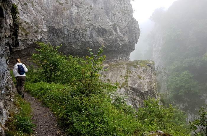 Estefanía por la senda de la ruta de las Xanas