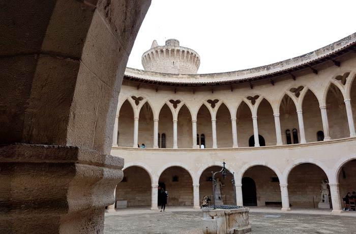 Castillo de Bellver qué hacer en Mallorca en invierno