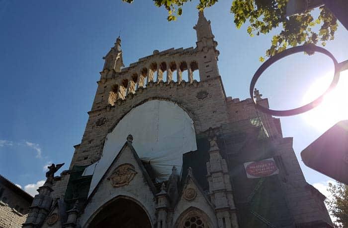 Iglesia de San Bartolomé de Sóller qué hacer en Mallorca en invierno