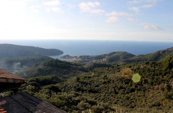 Vistas del puerto de Sóller desde el mirador de Ses Barques qué hacer en Mallorca en invierno