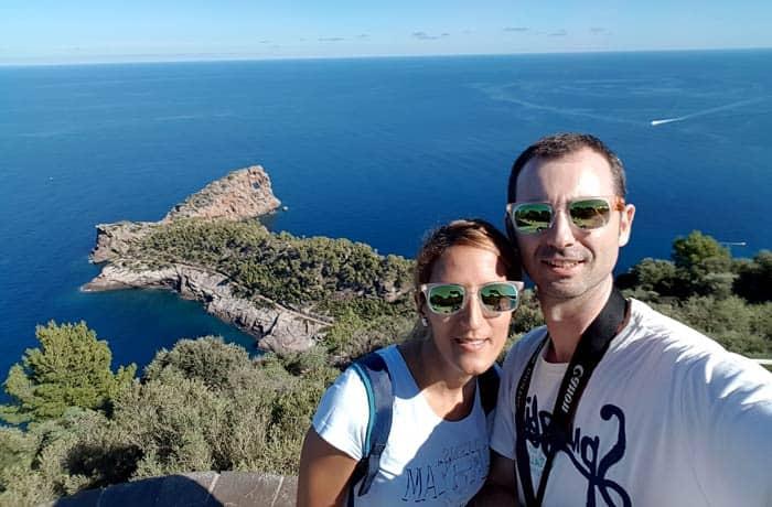 Ante Sa Foradada y el azul del Mediterráneo qué hacer en Mallorca en invierno