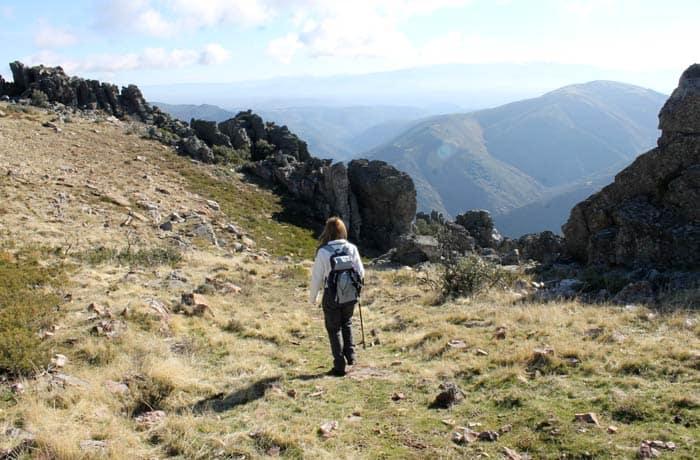Bajada desde la cresta a la Cueva de la Mora