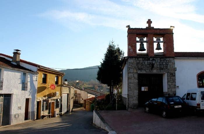 Iglesia de Navarredonda de la Rinconada Cueva de la Mora