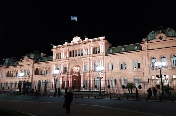 La Casa Rosada de Buenos Aires, de noche Argentina por libre
