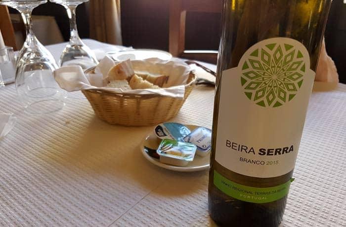 Vino blanco Beira Serra comer en Trancoso