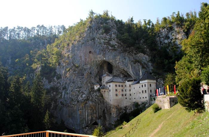 Castillo de Postojna ruta por Eslovenia