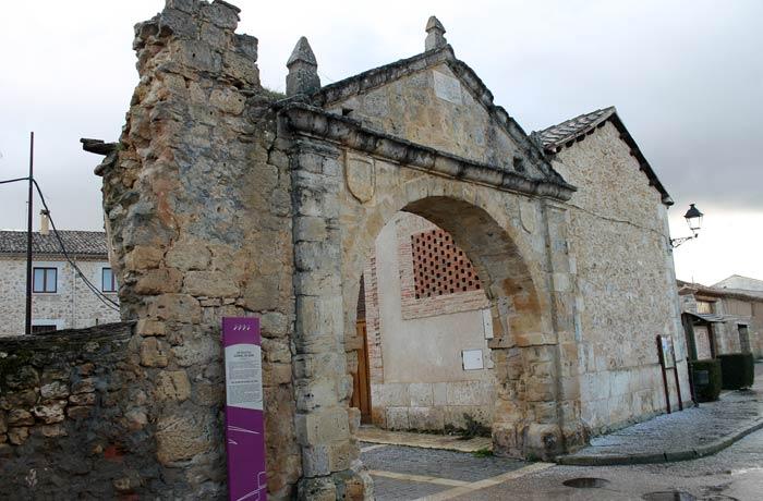 Arco de los Mesones de Gumiel de Izán Ribera del Duero Burgalesa