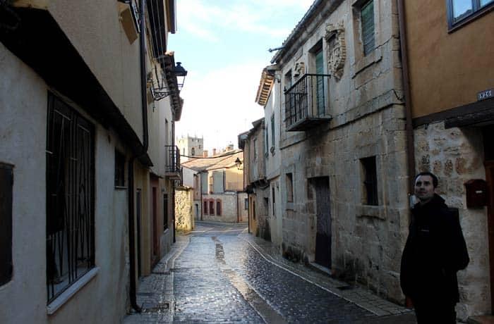 Una de las calles típicas de Gumiel de Izán Ribera del Duero Burgalesa