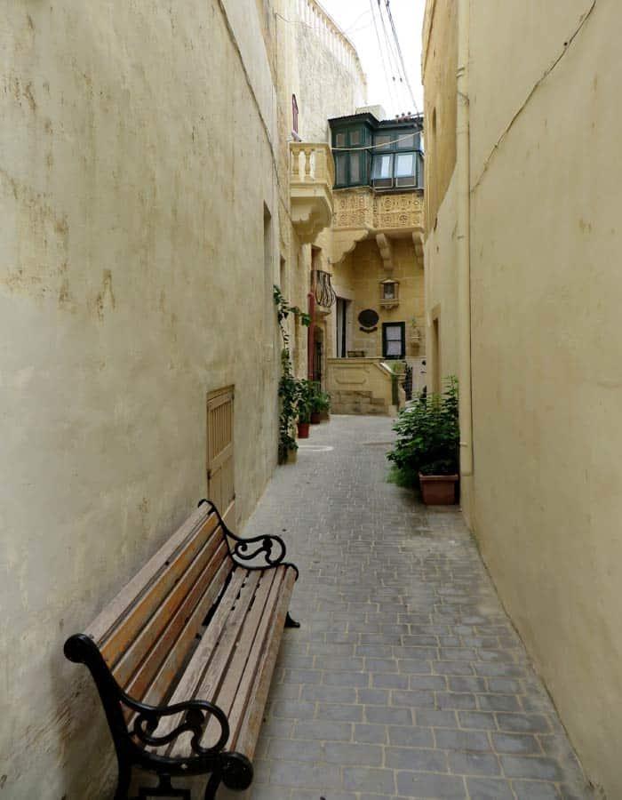 Una de las calles con encanto de Victoria que ver en Gozo