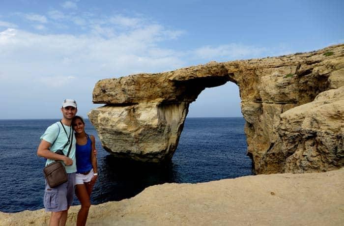 Ante la extinta Ventana Azul. Una imagen que no se volverá a repetir que ver en Gozo