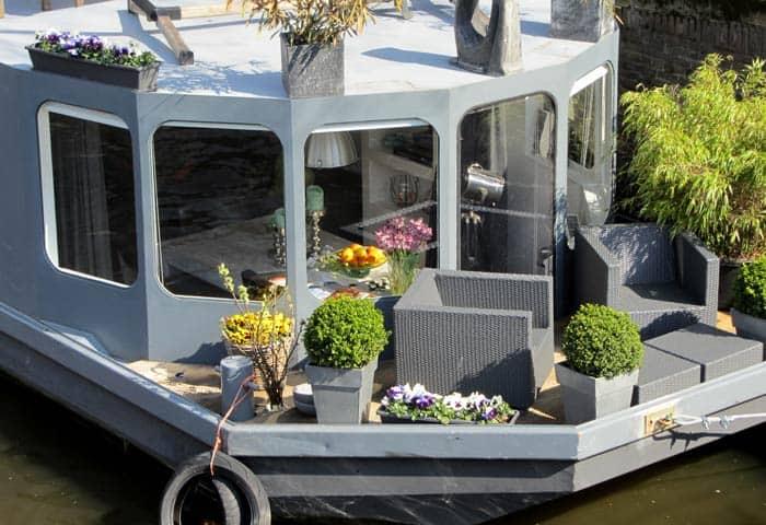 Uno de los barcos casa Ámsterdam en tres días