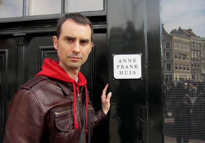 Ante la entrada a la Casa de Ana Frank Ámsterdam en tres días