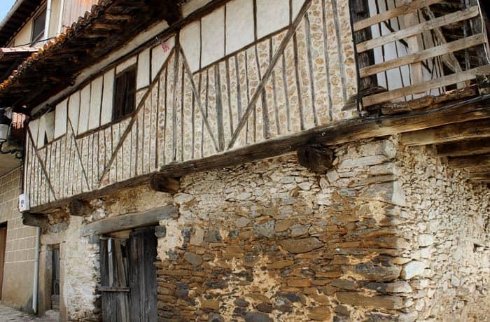 Casa típica serrana en Sotoserrano ruta de los Tres Ríos