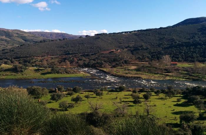 Desembocadura del río Cuerpo de Hombre en el Alagón ruta de los Tres Ríos