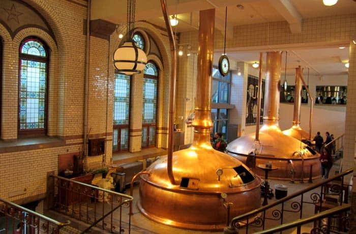 Antigua factoría en el Heineken Experience Ámsterdam en tres días