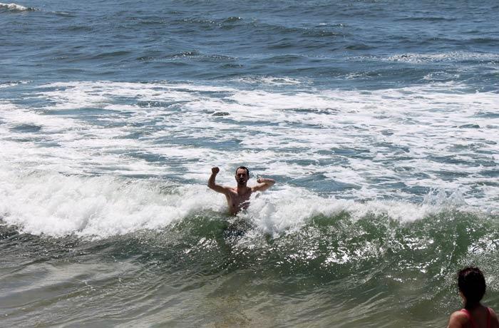 Pablo, en las frías aguas del Atlántico en Costa Nova