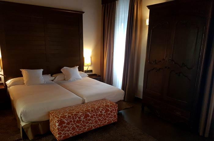 Habitación del Hotel Convento qué hacer en Aracena