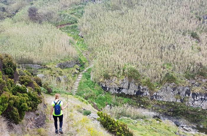 Haciendo senderismo en Sao Miguel viajar a las Azores por libre