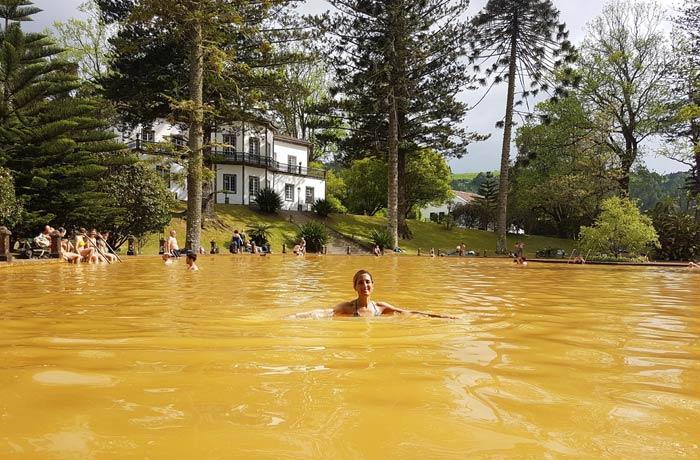 Termas del parque Terra Nostra en Sao Miguel viajar a las Azores por libre