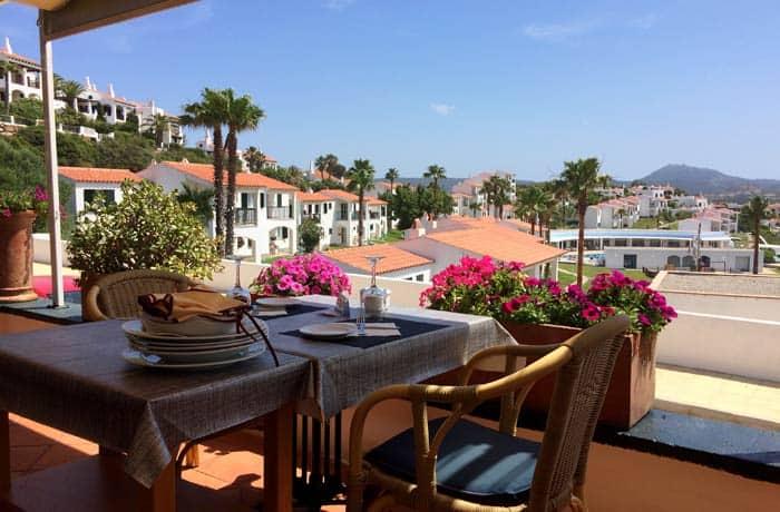 Terraza del Café del Nord comer en Menorca