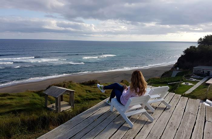 Vistas del Atlántico desde la terraza del Santa Bárbara Eco Beach Resort viajar a las Azores por libre