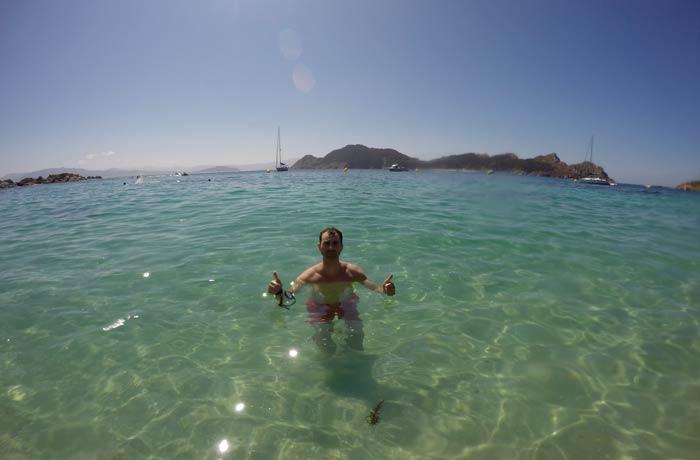Chapuzón en la playa de Nosa Señora que hacer en las Islas Cíes