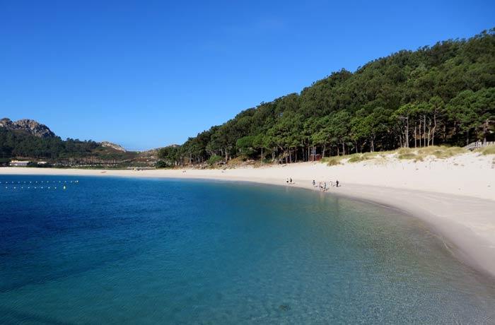 Playa de Rodas desde el barco que hacer en las Islas Cíes
