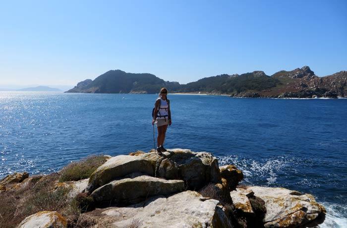 Estefanía en la punta de Carracido que hacer en las Islas Cíes