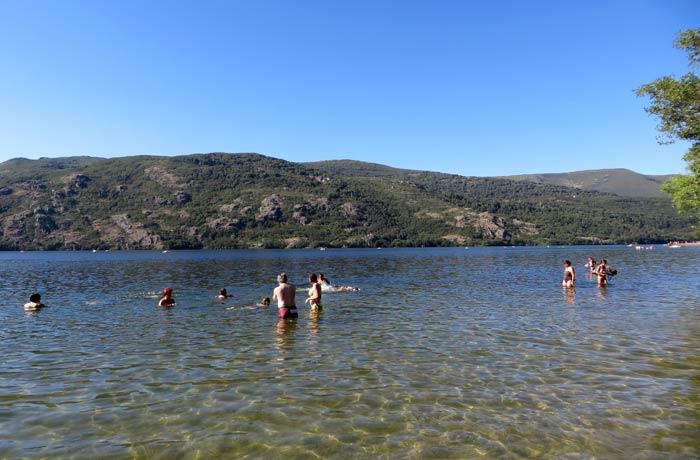 Aguas cristalinas del Lago de Sanabria