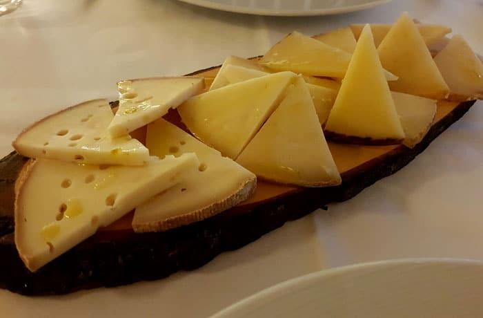 Tabla de quesos de la Sierra de Aracena comer en Aracena