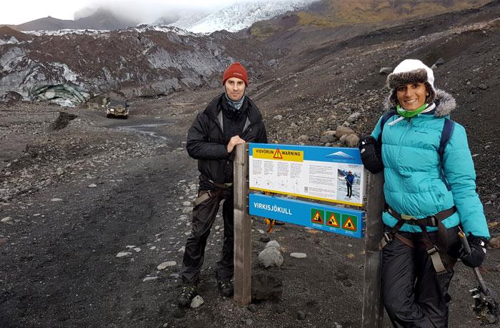 Cartel informativo antes de acceder al glaciar
