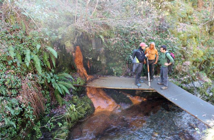Aprovechando las propiedades de la Fuente del Azufre ruta de las Fuentes Medicinales