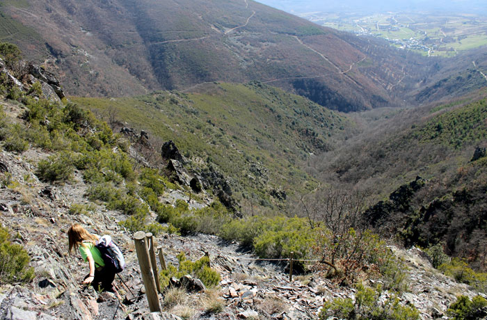 Descenso desde el mirador ruta de las Fuentes Medicinales