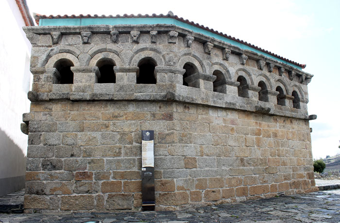 Domus Municipalis qué ver en Braganza