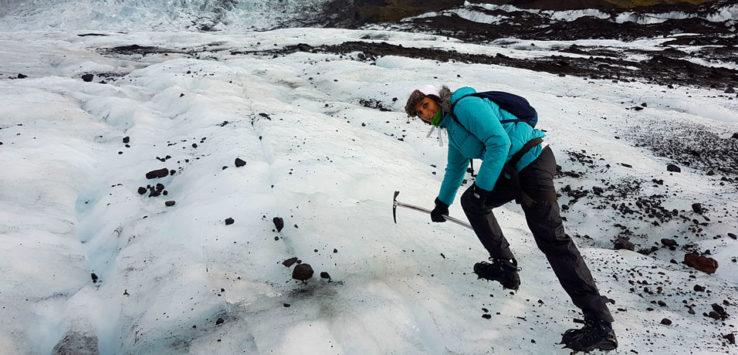 Excursión por un glaciar en Islandia