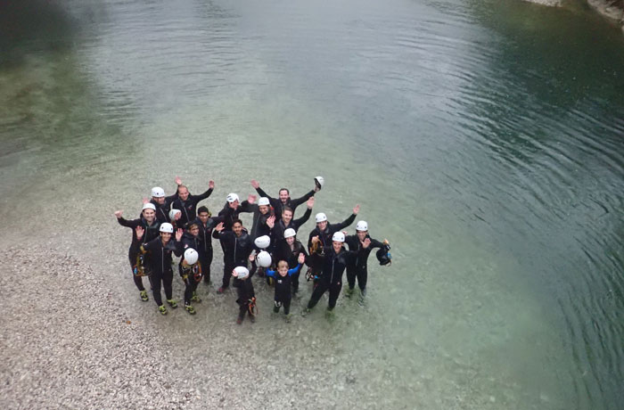 Posado del grupo que realizamos la actividad de barranquismo en Bled