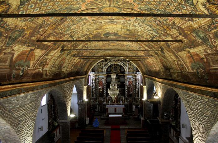 Interior de la iglesia de Santa María qué ver en Braganza