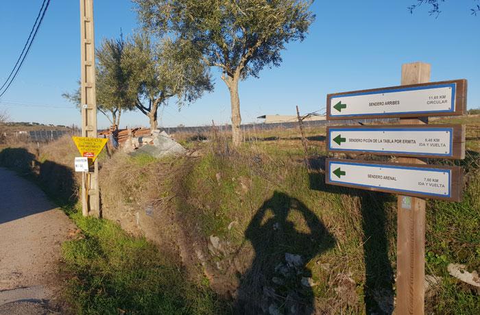 Señalización al inicio del sendero Arribes del Duero senderismo