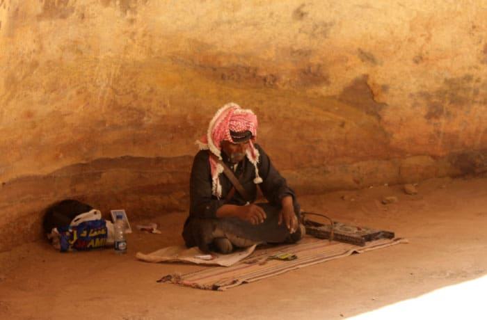 Un beduino en el Siq que ver en Petra