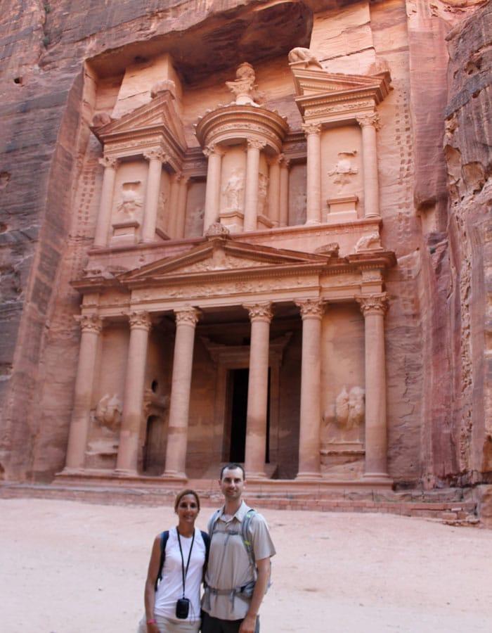 Juntos delante del Tesoro que ver en Petra