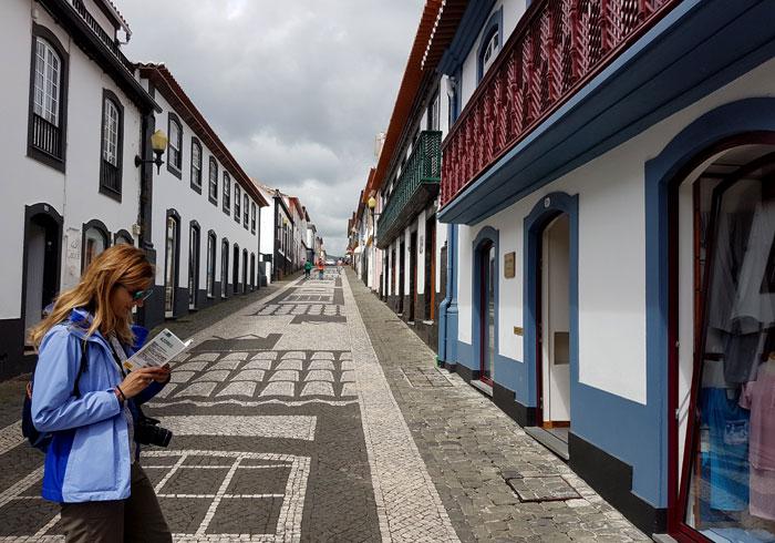 Una de las calles más pintorescas de Praia da Vitória