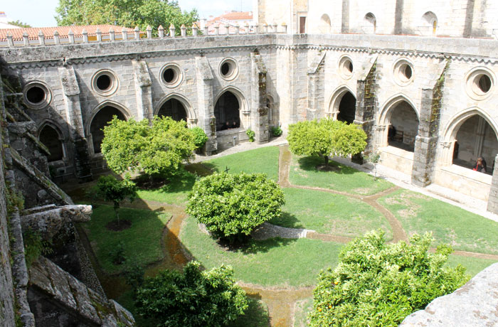 Claustro de la catedral de Évora